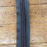 #10 ykk coil chain zipper
